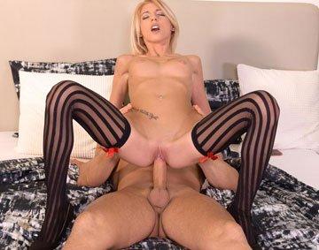 Missy Luv - Sexy Blonde Cheers Hubby Up (2019) SiteRip 540p