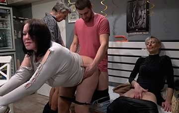 Cumming Together As A Family At A Swingers Club (2020) HD 1080p