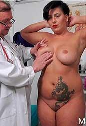 Aisha Bahadur - Speculum examination and machine orgasm of horny busty MILF (2020) HD 1080p